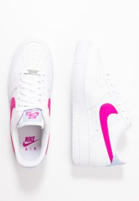 Nike Sportswear - AIR FORCE 1 - Matalavartiset tennarit - white/fire pink/hydrogen blue - 1