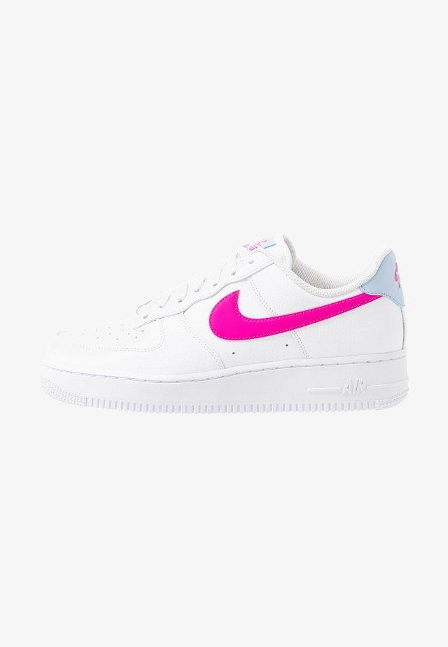 AIR FORCE 1 - Matalavartiset tennarit - white/fire pink/hydrogen blue