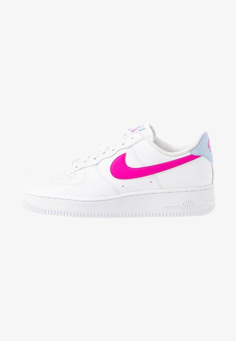 Nike Sportswear - AIR FORCE 1 - Matalavartiset tennarit - white/fire pink/hydrogen blue