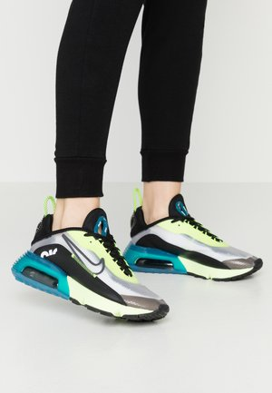 AIR MAX 2090 - Sneakersy niskie - white/black/volt/valerian blue