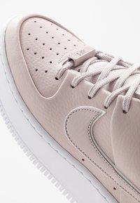 Nike Sportswear - AIR FORCE 1 SAGE - Matalavartiset tennarit - platinum violet/white - 2