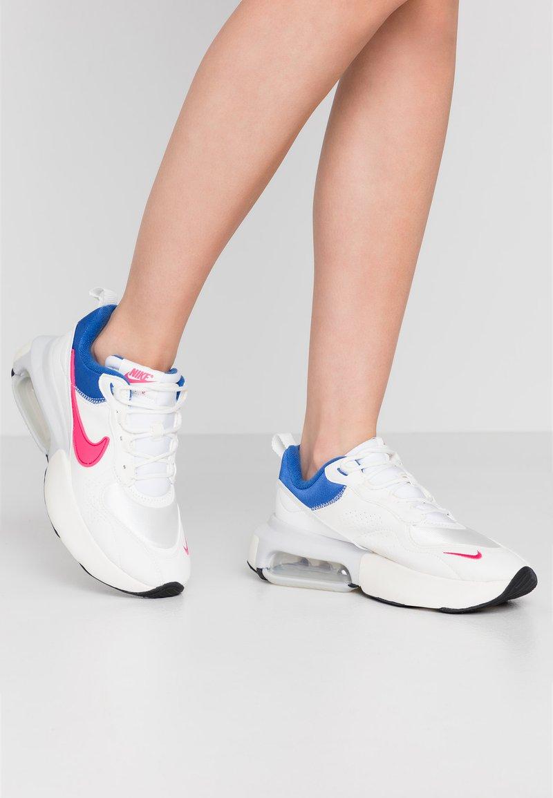 Nike Sportswear - AIR MAX VERONA - Sneakers laag - burgundy/blue