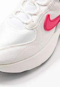 Nike Sportswear - AIR MAX VERONA - Sneakers laag - burgundy/blue - 2