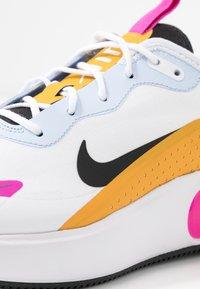 Nike Sportswear - Sneakers laag - white/black/pollen rise/hydrogen blue/fire pink - 2