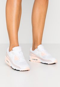 Nike Sportswear - AIR MAX 90 - Sneaker low - white/platinum tint/barely rose/crimson tint - 0