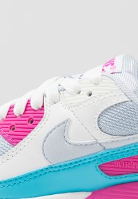 Nike Sportswear - AIR MAX 90 - Sneakers laag - football grey/summit white/fire pink/blue fury - 5