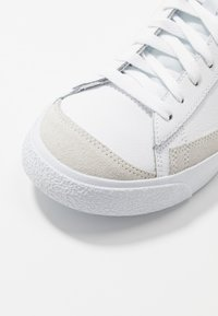 Nike Sportswear - BLAZER  - High-top trainers - white/lemon/pure platinum/fossil/sail - 5