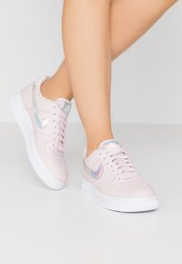 Nike Sportswear - AIR FORCE 1 - Matalavartiset tennarit - barely rose/white - 0