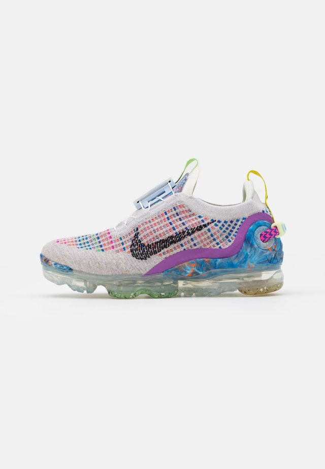 AIR MAX VAPORMAX WITH RECYCLED MATERIAL - Sneakers - pure platinum