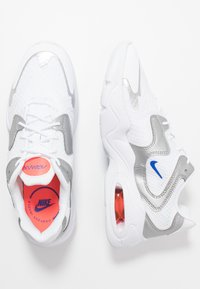 Nike Sportswear - AIR MAX 2X - Sneakers laag - white/racer blue/metallic silver/bright crimson/flash crimson - 1