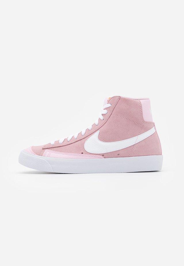 BLAZER 77 - Sneakersy wysokie - pink foam/white