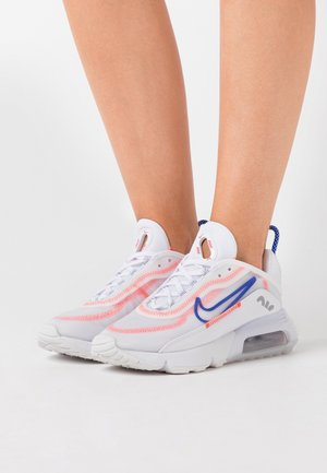 AIR MAX 2090 - Trainers - white/racer blue/flash crimson/metallic silver