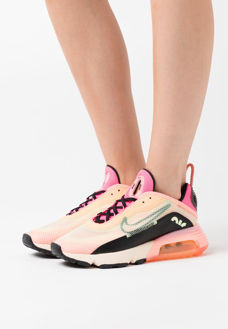 Nike Sportswear - AIR MAX 2090 - Sneakers laag - barely volt/black/atomic pink/pink glow/guava ice/melon tint