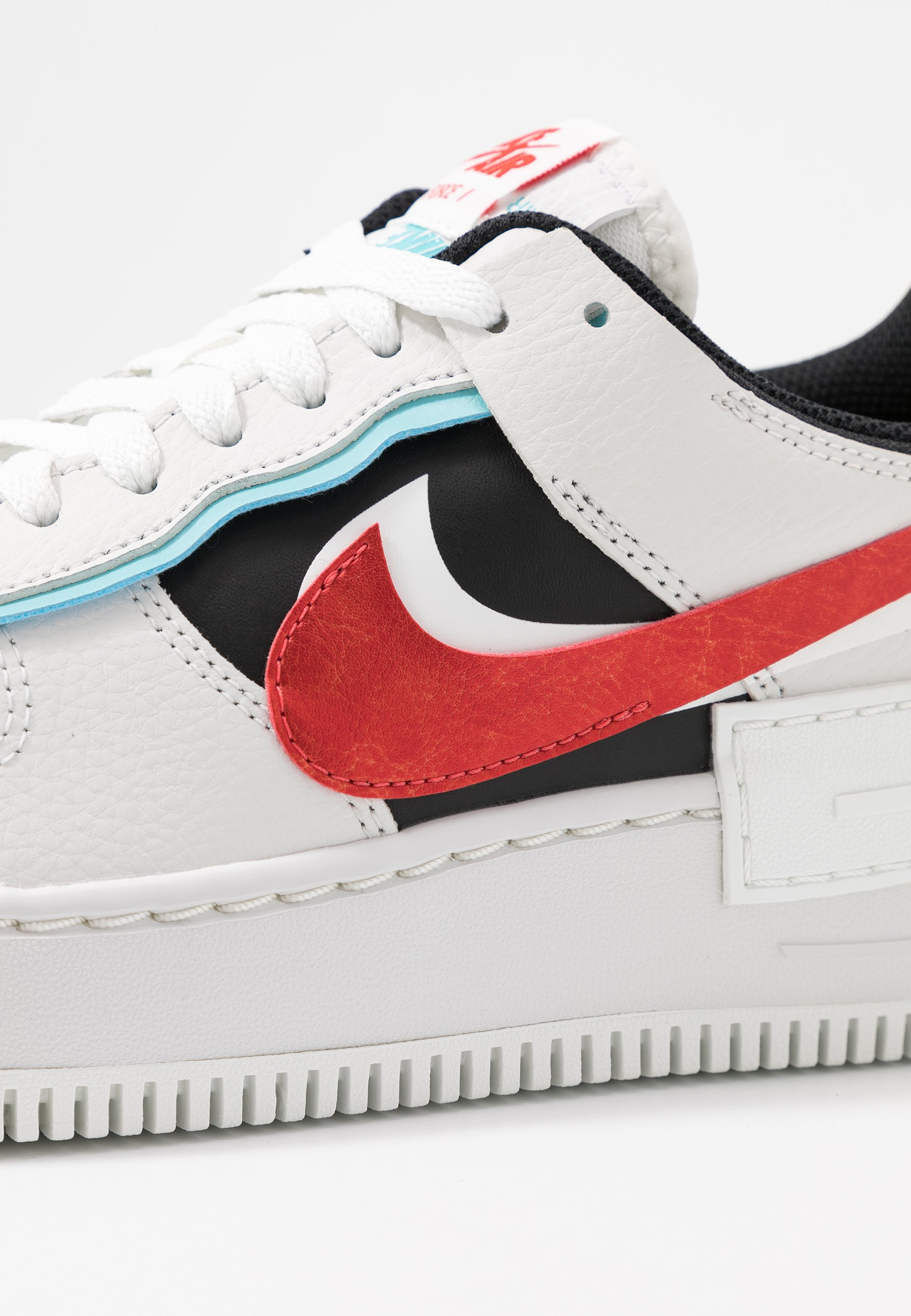 AIR FORCE 1 SHADOW Baskets basses summit whitechile redbleached aquablack