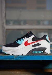 Nike Sportswear - AIR MAX 90 - Sneakers laag - summit white/chile red/bleached aqua/black - 3