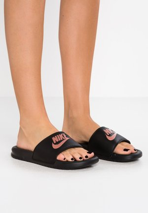 BENASSI - Pantofle - black/rose gold