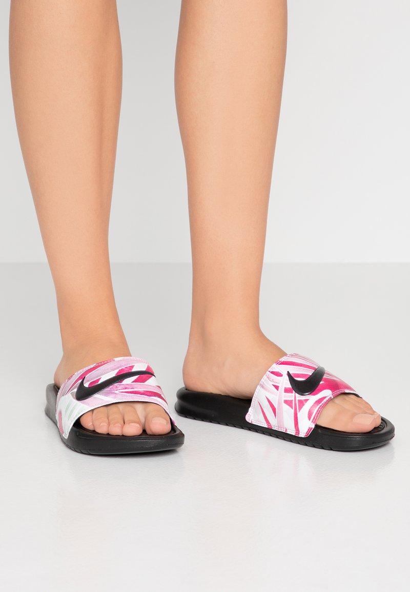 Nike Sportswear - BENASSI JDI - Sandalias planas - black/china rose/white