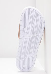 Nike Sportswear - BENASSI JUST DO IT - Sandały kąpielowe - white/metallic red bronze - 8