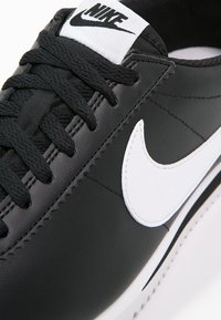 Nike Sportswear - CORTEZ - Zapatillas - black/white - 6