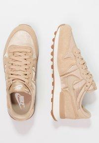 Nike Sportswear - INTERNATIONALIST - Baskets basses - sail/med brown - 2
