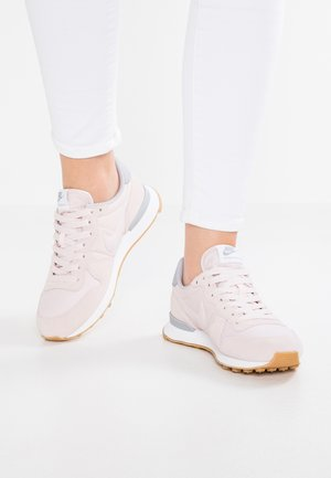 INTERNATIONALIST - Trainers - barely rose/wolf grey