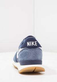 Nike Sportswear - INTERNATIONALIST - Baskets basses - diffused blue/summit white/neutral indigo/sail/light brown - 3