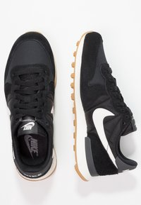Nike Sportswear - INTERNATIONALIST - Zapatillas - black/summit white/anthracite/sail - 2