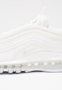 Nike Sportswear - AIR MAX 97 - Sneakers basse - white/pure platinum - 5