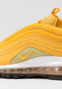 Nike Sportswear - AIR MAX 97 - Sneaker low - mustard/buff gold/white - 2