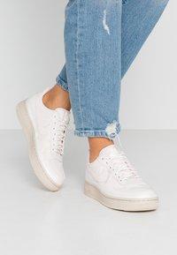 Nike Sportswear - AIR FORCE 1 '07 SE - Sneakers - light pink/light soft pink/summit white/desert sand - 0