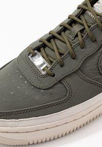 Nike Sportswear - AIR FORCE 1 '07 SE - Sneakers - cargo khaki/desert sand - 2