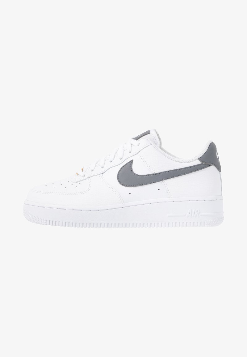 Nike Sportswear - AIR FORCE 1'07 - Trainers - white/cool grey/metallic gold