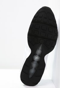 Nike Sportswear - AIR MAX '95 - Tenisky - white/black - 4