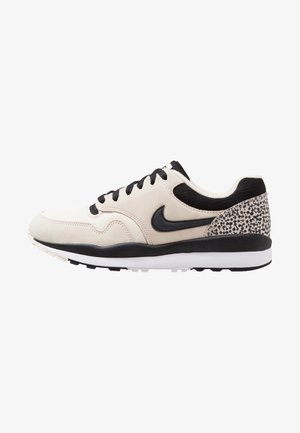 AIR SAFARI - Baskets basses - light cream/black/white