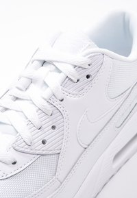 Nike Sportswear - AIR MAX 90 ESSENTIAL - Zapatillas - white - 5