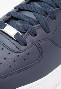 Nike Sportswear - AIR FORCE 1 MID '07 - Sneakers hoog - obsidian/white - 5