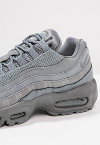 Nike Sportswear - AIR MAX 95 ESSENTIAL - Sneakers laag - cool grey - 5