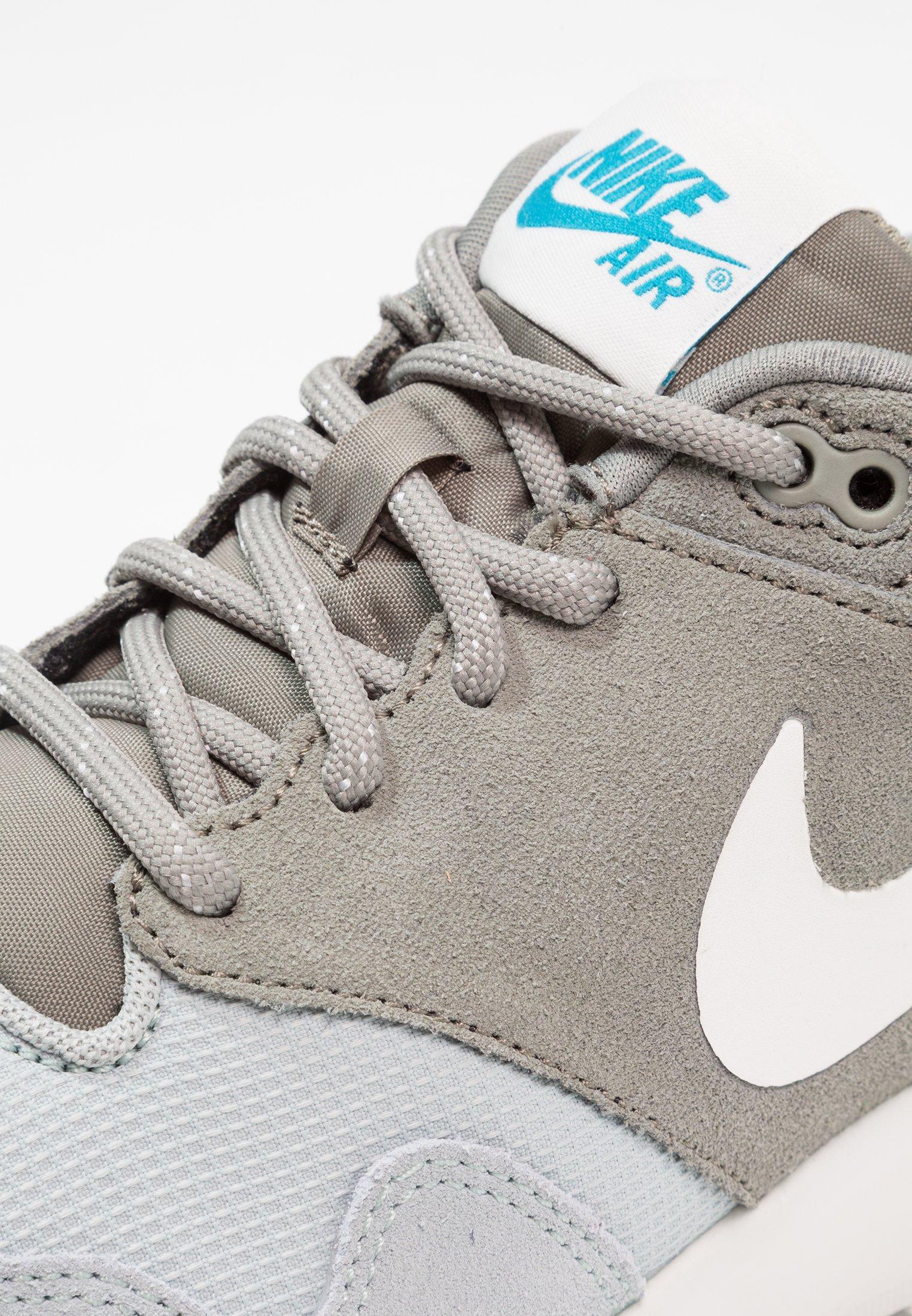 Nike Sportswear AIR VIBENNA SE Joggesko light pumice