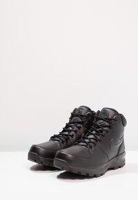 Nike Sportswear - MANOA - Korkeavartiset tennarit - schwarz - 2