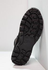 Nike Sportswear - MANOA - Korkeavartiset tennarit - schwarz - 4