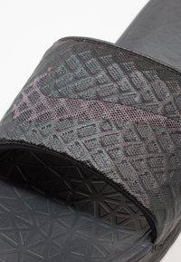 Nike Sportswear - BENASSI SOLARSOFT - Mules - black/anthracite - 5