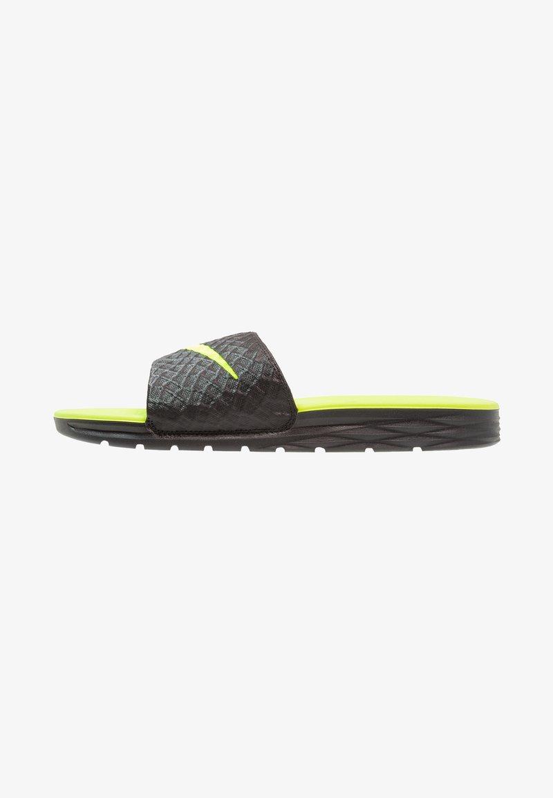Nike Sportswear - BENASSI SOLARSOFT - Ciabattine - black/volt