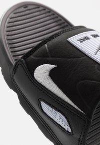 Nike Sportswear - AIR MAX 90 SLIDE - Sandaler - black/white - 5