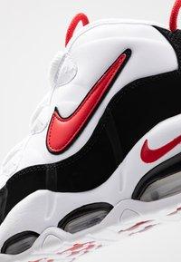 Nike Sportswear - AIR MAX UPTEMPO '95 - Baskets montantes - white/university red/black - 5
