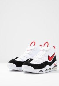 Nike Sportswear - AIR MAX UPTEMPO '95 - Baskets montantes - white/university red/black - 2