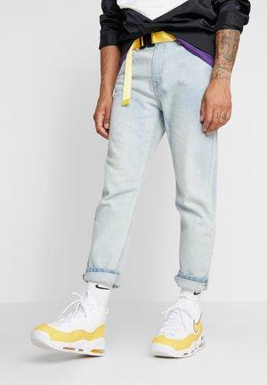 AIR MAX UPTEMPO '95 - Zapatillas altas - white/amarillo/court purple