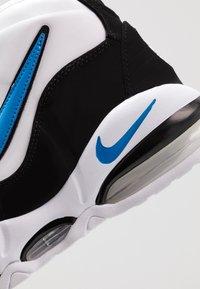 Nike Sportswear - AIR MAX UPTEMPO '95 - Sneakersy wysokie - white/photo blue/black - 8