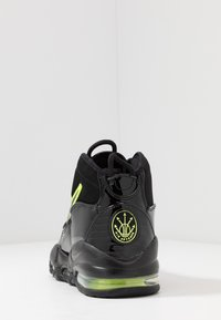 Nike Sportswear - AIR MAX UPTEMPO '95 - Sneakers alte - black/volt - 4