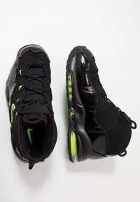 Nike Sportswear - AIR MAX UPTEMPO '95 - Sneakers alte - black/volt - 2