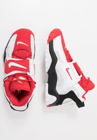 Nike Sportswear - AIR BARRAGE MID - Vysoké tenisky - white/university red/black - 1
